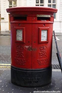 Boîte aux lettres anglaise Londres mars 2012 (220)