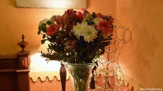 Bouquet de fleurs et buste aux volutes de fer, Esprit déco, maison, intérieur, SandrinePhotos