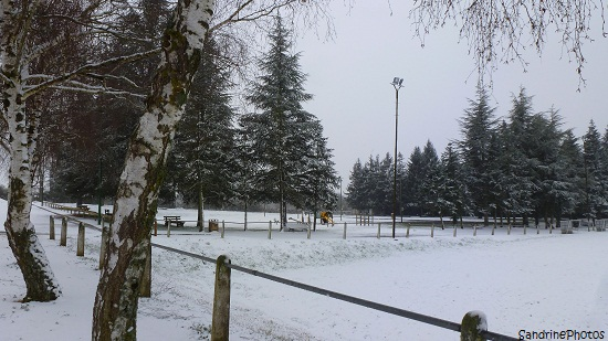 Bouresse sous la neige, Stade Marquis de Campagne, Salle des Fêtes, Bouresse under the snow 25 février 2013, Wintertime, Bouresse, Poitou-Charentes