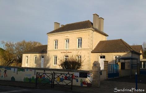 Ecole maternelle et primaire de Bouresse après travaux 2016, frise peinture murale, Les Baumières 2016 (10)