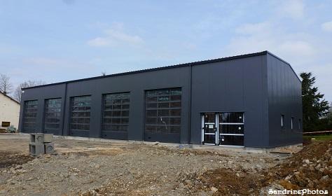 Nouveau garage automobile, Rue des écoles, Bouresse, Poitou-Charentes 86